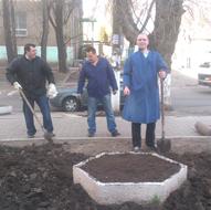 dp.uz.gov.ua: Придніпровські залізничники під час Дня довкілля висадили понад 3 тисячі дерев та кущів