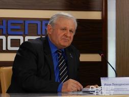 dp.uz.gov.ua: Залізниця обіцяє задовольнити попит своїх пасажирів на перевезення у святкові дні
