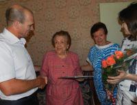 dp.uz.gov.ua: На залізниці колишню працівницю привітали зі сторіччям