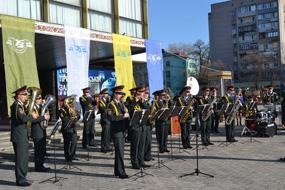 dp.uz.gov.ua: Залізниця святкувала День залізничника і  своє 140-річчя