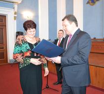 dp.uz.gov.ua:  На залізниці вітали жінок з 8 Березня