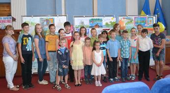 dp.uz.gov.ua: Творчий конкурс серед дітей залізничників продемонстрував таланти