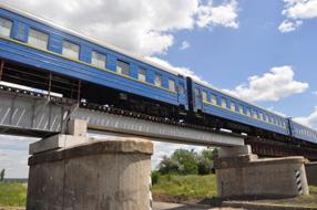dp.uz.gov.ua: Мешканці Запорізького регіону подякували транспортникам за оперативне відновлення залізничного мосту в Оріхівському районі