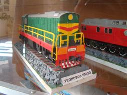 dp.uz.gov.ua: На Дніпропетровській дитячій залізниці працює виставка паперових макетів