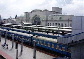 dp.uz.gov.ua: Вокзал Дніпропетровск-Головний з початку 2014 року відправив понад 19 тисяч поїздів