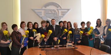 dp.uz.gov.ua: На Придніпровській магістралі до 8 Березня за відмінну роботу заохотили жінок-залізничниць