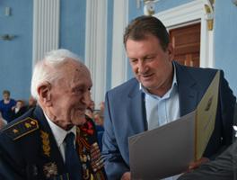 dp.uz.gov.ua: На Придніпровській залізниці вшанували ветеранів-переможців