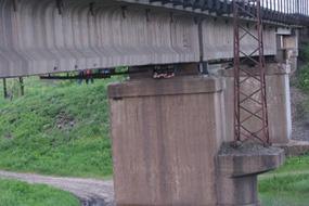 dp.uz.gov.ua: Залізниця заохотить громадських активістів за пильність, яка врятувала залізничний міст на перегоні Богуславський – Миколаївка