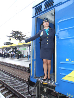 dp.uz.gov.ua: Поїзні бригади формуватиме комп'ютер