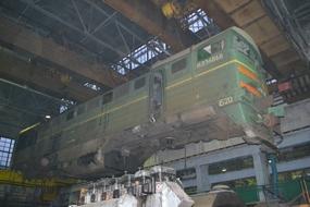 dp.uz.gov.ua: Завдяки замовленням Укрзалізниці  Дніпропетровський тепловозоремонтний завод повернувся до повного робочого тижня і збільшив обсяги робіт