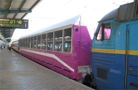 dp.uz.gov.ua: На новорічні свята вагон-автомобілевоз із Дніпропетровська до Львова курсуватиме щоденно