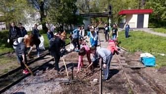 dp.uz.gov.ua: На Дніпропетровській дитячій залізниці провели операцію «Чисте довкілля»