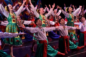dp.uz.gov.ua: Народний ансамбль танцю «Орлятко» зібрав друзів у новому, «залізничному» форматі