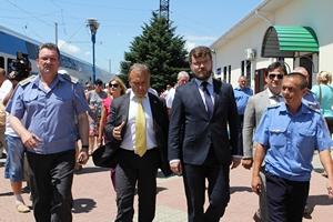 dp.uz.gov.ua: Перший заступник міністра інфраструктури Євген Кравцов відвідав курортне Приазов'я