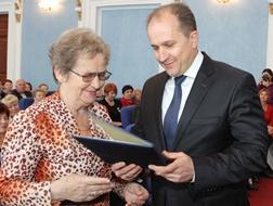 dp.uz.gov.ua: Ветеранів Придніпровської магістралі привітали з нагоди Міжнародного дня людей похилого віку