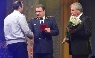 dp.uz.gov.ua:    Придніпровські залізничники урочисто відзначили своє професійне свято