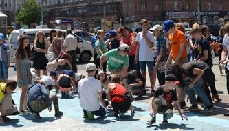 dp.uz.gov.ua: Вокзал Дніпро-Головний приймав перший всеукраїнський залізничний дитячий флешмоб «Разом у майбутнє»