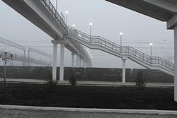 dp.uz.gov.ua: На станції П'ятихатки придніпровські залізничники побудували пішохідний міст, який обладнано підіймачами для інвалідних візків