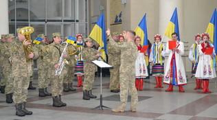 dp.uz.gov.ua: На центральному вокзалі Дніпра вшанували героїв Крут
