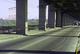 dp.uz.gov.ua: Залізничники посилили захист запорізьких мостів Преображенського від потенційно небезпечних дій водіїв автотранспорту