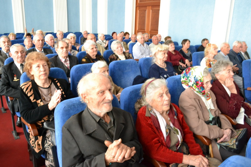 dp.uz.gov.ua: На Придніпровській залізниці вшанували учасників                                          Другої світової війни