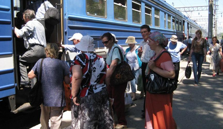 dp.uz.gov.ua: Придніпровські залізничники збільшили обсяги приміських пасажирських перевезень
