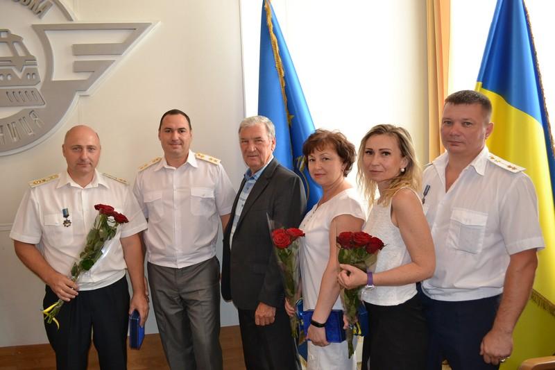 dp.uz.gov.ua: До Дня Конституції кращих працівників Придніпровської залізниці заохочено відомчими нагородами