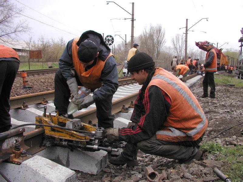 dp.uz.gov.ua: За півроку придніпровські залізничники відремонтували майже 122  км колії
