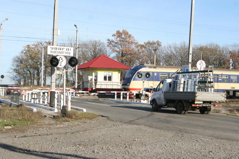 dp.uz.gov.ua: Цьогоріч усі ДТП на залізничних переїздах та коліях Придніпровської залізниці сталися з вини водіїв автівок