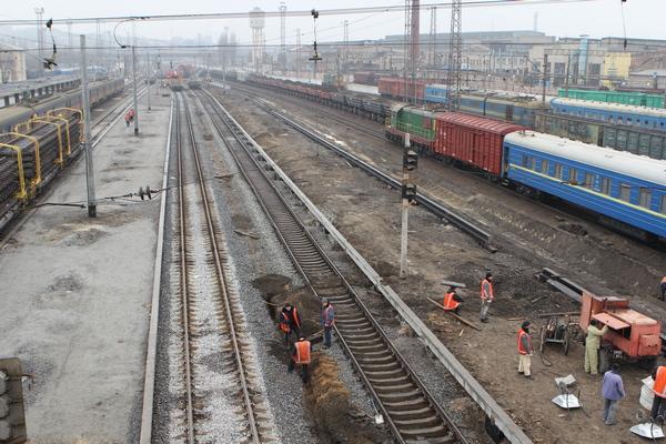 dp.uz.gov.ua: Реконструкція колії на ділянці Кривий Ріг – Волноваха дозволила збільшити швидкість руху поїздів до 100 кмгод