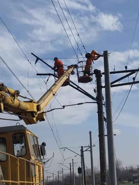 dp.uz.gov.ua: На Придніпровській залізниці проводять масштабні роботи з технічного переоснащення контактної мережі