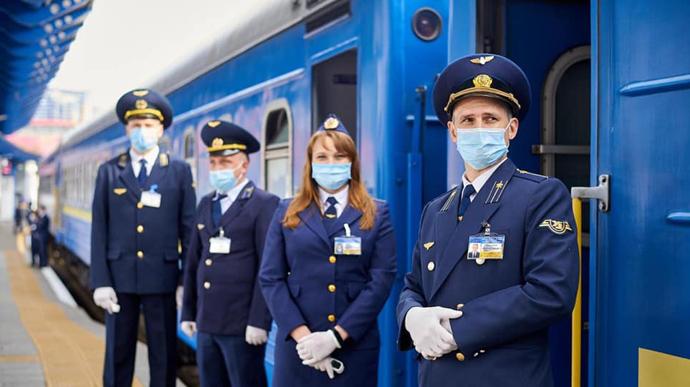 dp.uz.gov.ua: На Придніпровській залізниці не послаблюють контроль дотримання  карантинних вимог у приміських поїздах