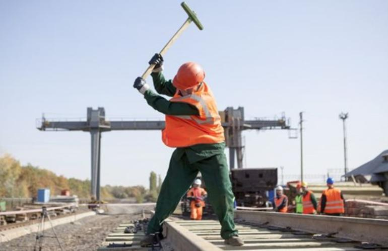 dp.uz.gov.ua: У спекотну погоду Придніпровська залізниця посилює  заходи безпеки
