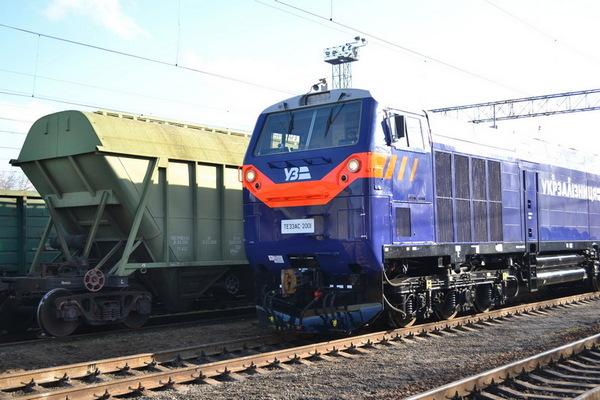 dp.uz.gov.ua: Водіння вантажних поїздів підвищеної ваги та довжини дозволяє придніпровським залізничникам збільшити пропускну спроможність східного напряму