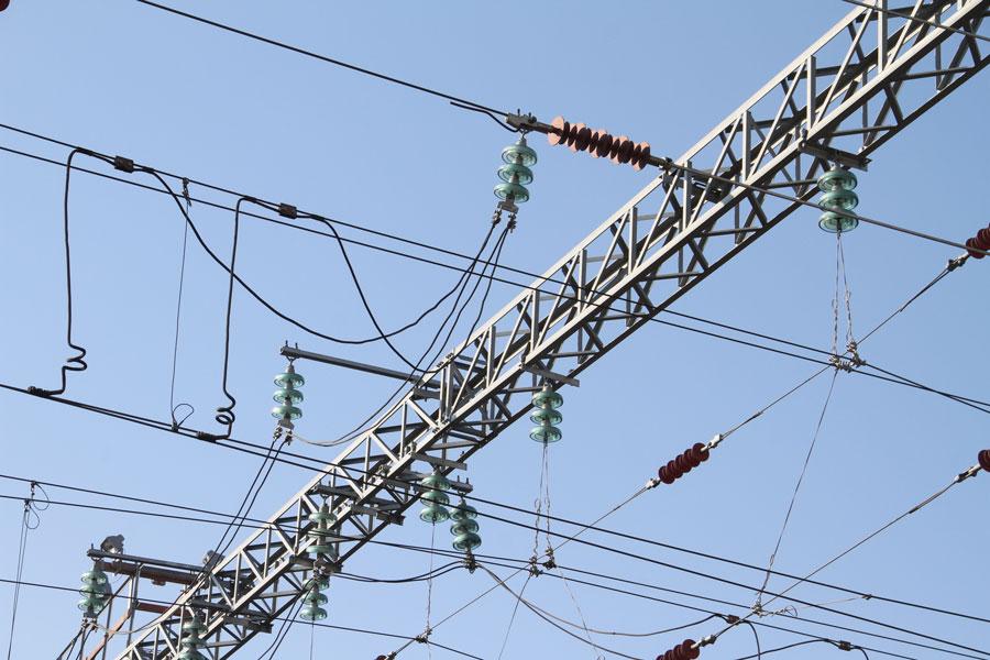 dp.uz.gov.ua: За два місяці енергетики Придніпровської залізниці виконали значні обсяги робіт з реконструкції та ремонту контактної мережі