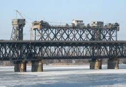 dp.uz.gov.ua: На Придніпровській магістралі виконали перший етап ремонтних робіт                  на залізничній частині Амурського мосту, що в м. Дніпро