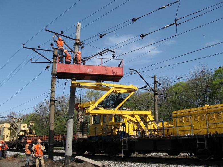 dp.uz.gov.ua: За чотири місяці енергетики Придніпровської залізниці виконали значний комплекс ремонтних робіт