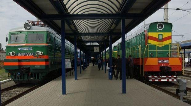 dp.uz.gov.ua: З нагоди Дня людей похилого віку на Придніпровській магістралі вшанували ветеранів-залізничників