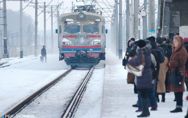 dp.uz.gov.ua: Придніпровські залізничники готують приміські поїзди до зимових перевезень
