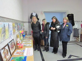 dp.uz.gov.ua: На залізничному вокзалі Дніпропетровськ проходить виставка-конкурс творчих робіт