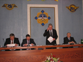 dp.uz.gov.ua: Oбговорили результати виконання колдоговору за 2011 рік